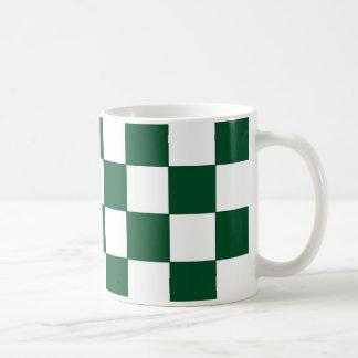 Taza verde y blanca