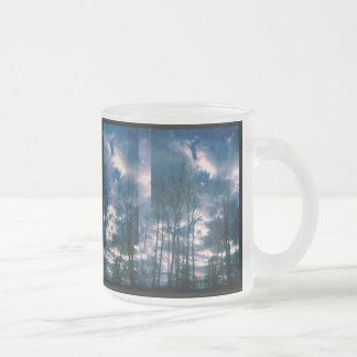 Taza vibrante del cielo
