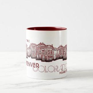 Taza vieja roja histórica de la ciudad de Denver