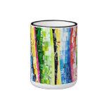 Tazas de café con arte abstracto