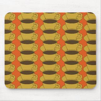 Tazas de café retras en mousepad anaranjado alfombrilla de ratones
