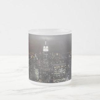 Tazas de la noche de Nueva York del paisaje urbano