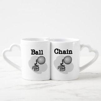 Tazas de los amantes de bola y de la cadena tazas para enamorados