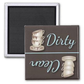 Tazas de té sucias o imanes limpios del refrigerad iman de nevera