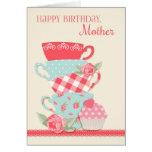 Tazas de té y rosas, madre del feliz cumpleaños tarjeta de felicitación
