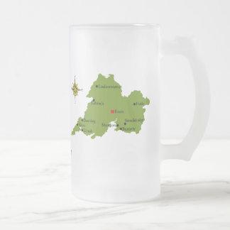 Tazas del mapa y del escudo de Clare del condado