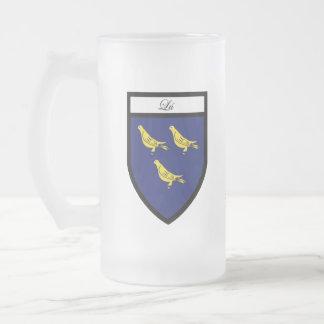 Tazas del mapa y del escudo de Louth del condado