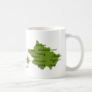 Tazas del mapa y del escudo de Tyrone del condado