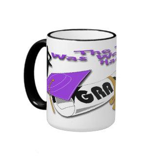 Tazas (femeninas) púrpuras del casquillo del gradu