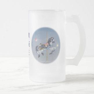 Tazas heladas - caballo gris del carrusel de la