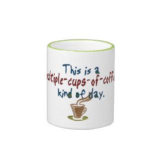 Tazas múltiples de día del café