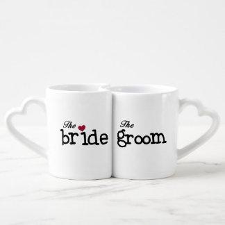 Tazas negras de los amantes de novia y del novio taza para parejas