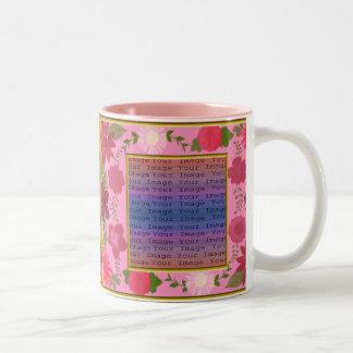 Tazas rosadas del personalizado de las flores