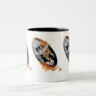 Tazas y tazas de café de la bola de rugbi de los