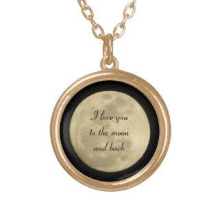 Te amo a la luna y al collar trasero en oro
