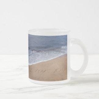 Te amo… amor de la playa tazas