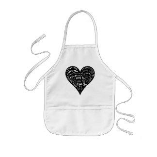 Te amo diseño del corazón para los bodas y los día delantal infantil