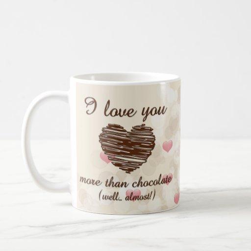 Te amo más que corazones rosados del chocolate taza de café