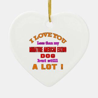 Te amo perro esquimal americano miniatura adorno navideño de cerámica en forma de corazón
