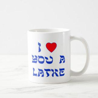 Te amo un Latke Taza Básica Blanca