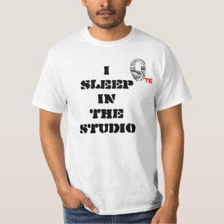 te, ISLEEPINTHESTUDIO T-Shirt