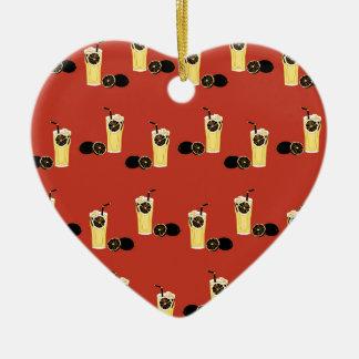 Té negro enojado del limón adorno navideño de cerámica en forma de corazón