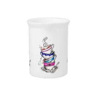 Té para el diseño cuatro jarras de beber
