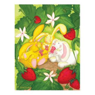 Té/postal del conejito de la fresa postal