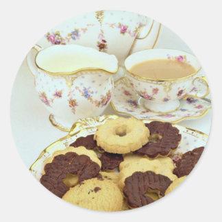 """Té y galletas deliciosos con China """"elegante"""" Pegatinas Redondas"""
