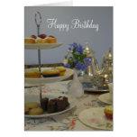 té y magdalena elegantes del cumpleaños felicitaciones