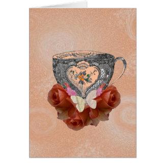 Té y melocotón de los rosas tarjetón