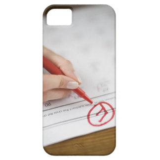 Teacher writing F grade on worksheet iPhone SE/5/5s Case