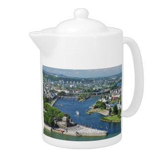 Teapot German hit a corner in Koblenz