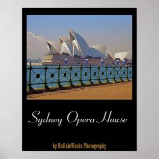 Teatro de la ópera de Sydney con el poster de la c