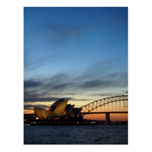 Teatro de la ópera de Sydney en el anochecer Postal