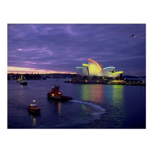 Teatro de la ópera y puerto de Sydney en el amanec Postal