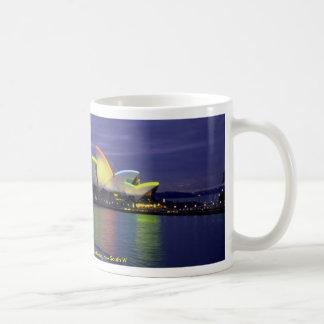 Teatro de la ópera y puerto de Sydney en el amanec Tazas De Café