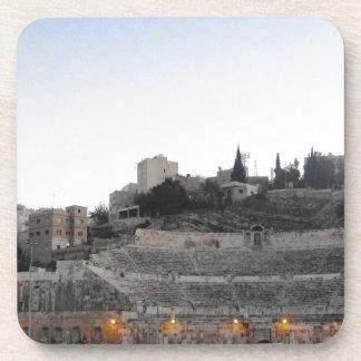 Teatro romano de Amman en invierno Posavasos De Bebida