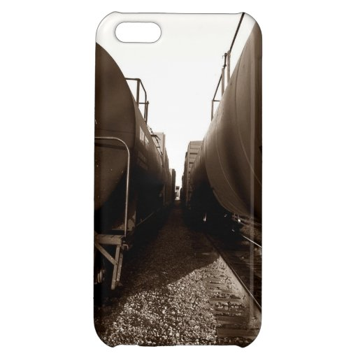 Tech Case Train travel railroad cars yard rr B&W