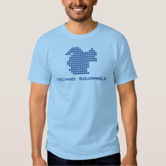 Techno atesora la camisa del logotipo (los