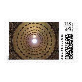 Techo de la bóveda en panteón en Roma, Italia Sello