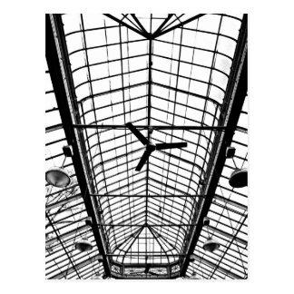 Techo del invernadero en blanco y negro postal