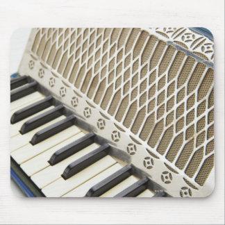 Teclado antiguo del acordeón tapetes de raton