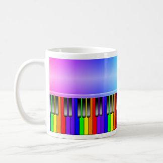 Teclado de piano del arco iris tazas de café