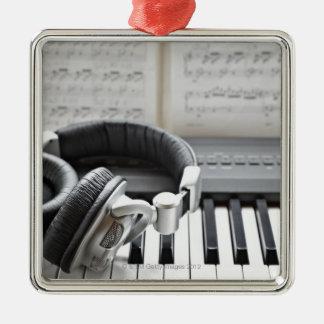 Teclado de piano eléctrico adorno navideño cuadrado de metal
