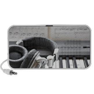 Teclado de piano eléctrico laptop altavoz