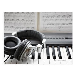 Teclado de piano eléctrico tarjeta postal