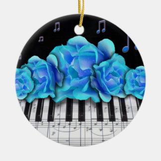 Teclado de piano y ornamento azul de los rosas adorno navideño redondo de cerámica