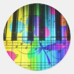 Teclado y flores eléctricos psicodélicos de piano etiquetas redondas