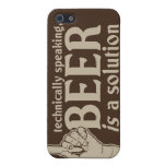 técnicamente hablando, la cerveza es una solución iPhone 5 protectores